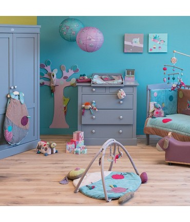 mobilier moulin roty nao pour les petits. Black Bedroom Furniture Sets. Home Design Ideas